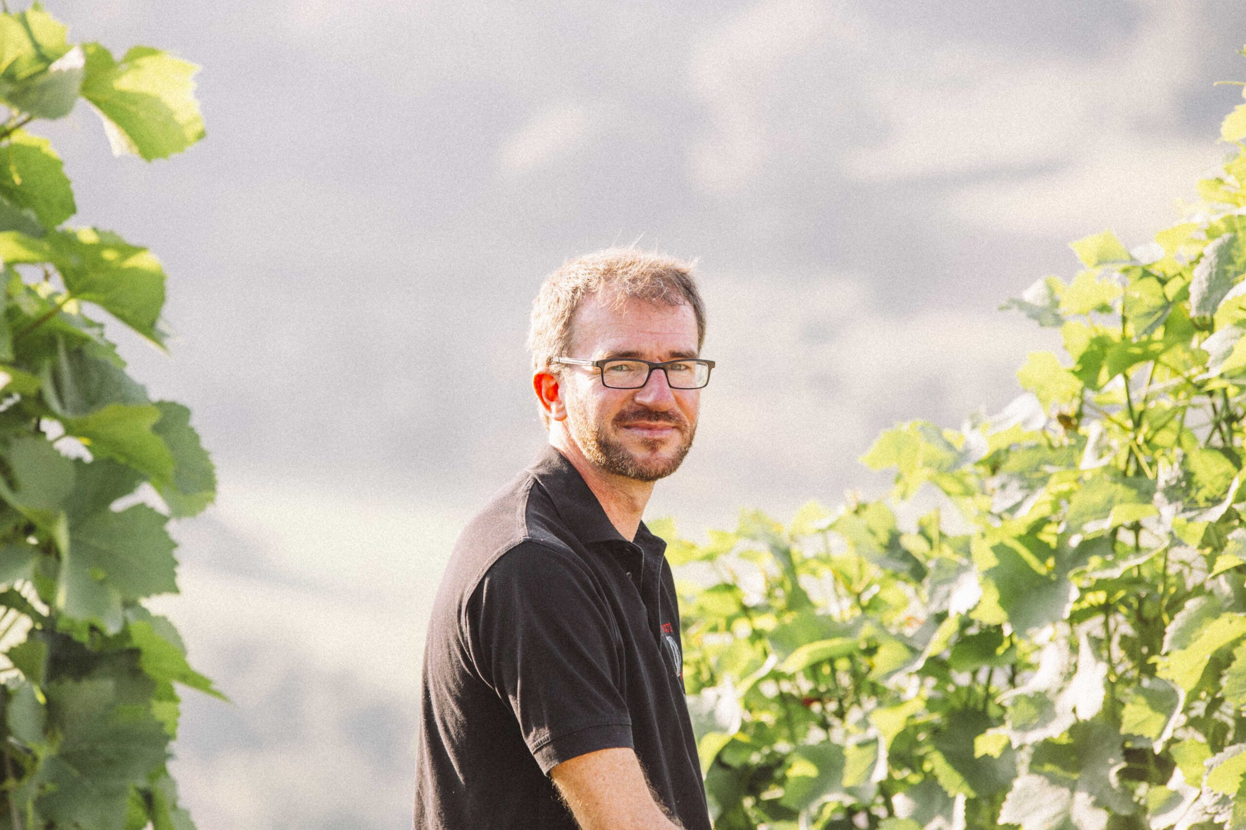 Winegrower Tobias Köninger in the field